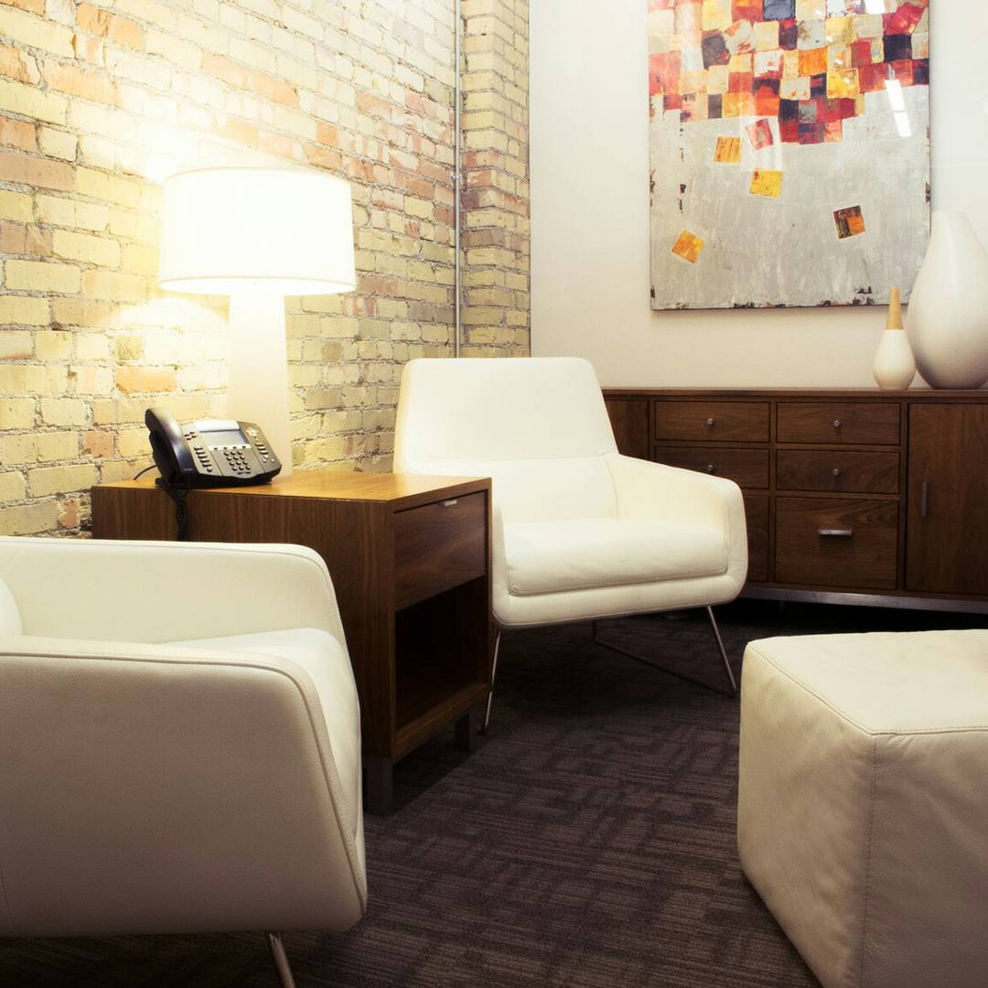 Our most #chillax conference room.  #conferenceroom #office #officespace #siliconslopes #downtownslc #leadgen #whiteleather